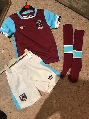 Official Umbro West Ham United Kids Home Full Kit Size: 4-5 Years