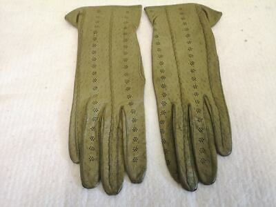 Vintage Ladies Leather Gloves. Green. Size 7. Lovely & Soft. 1960s