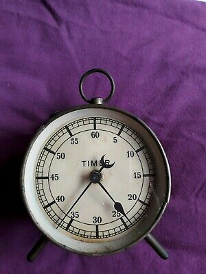 vintage dark room timer, in old condition,working, small crack see photos.