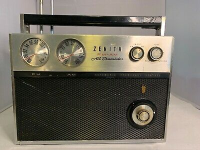 Vintage Zenith FM-AM All Transistor Portable Radio Royal 2000 Not Working 1961