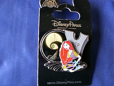 Disney * SALLY * Nightmare Before Christmas * New on Card Retired Trading Pin