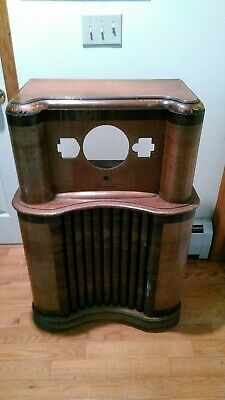 1939 ZENITH Console Radio 5808 Wood Chassis ONLY in GREAT CONDITION