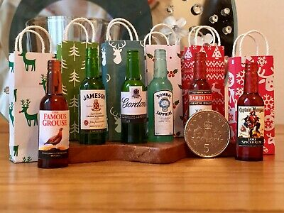ONE DOLLS HOUSE MINIATURE SPIRIT DRINKS BOTTLE & CHRISTMAS GIFT BAG 1:12th Scale