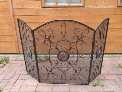 Lovely Large Vintage Metal Three Panel Meshed Fire Screen Guard.