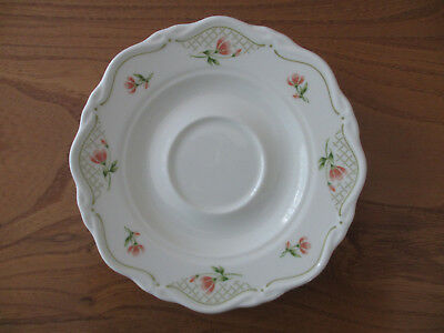 Vintage WEDGWOOD Bone China Saucer. Excellent Condition.