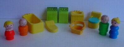 Vintage Fisher Price Little People 725 Bathroom Utility 11 Piece ACCESSORY SET