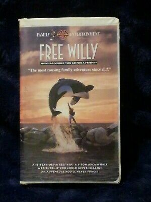 Free Willy (VHS, 1993, Clamshell)