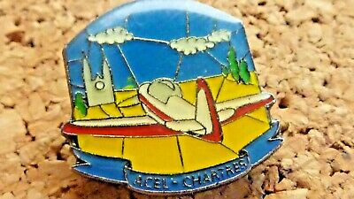 Pin's Pin Badge Avion  Acel Chartres Cathedrale