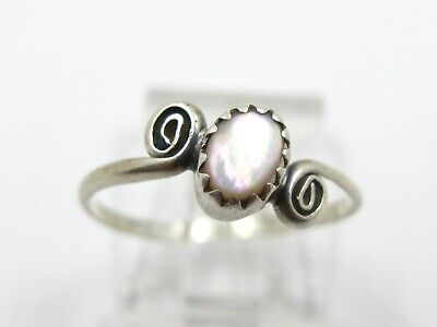 Estate Sterling Silver Mother of Pearl Ladies Ring 1.2g
