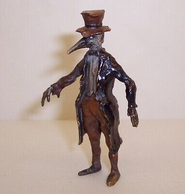 Vintage COLD PAINTED BRONZE Anthropomorphic CROW BIRD As a SCARECROW Miniature