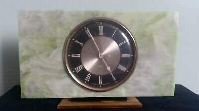 Vintage 1950s  onyx mantle/desk clock. Made in Great Britain. Running.