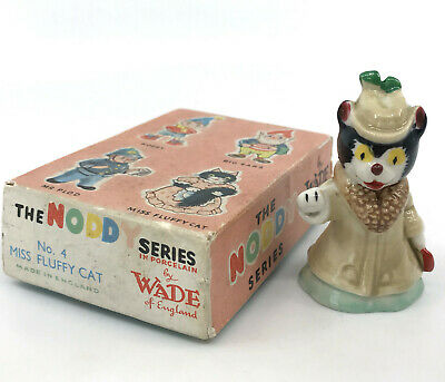 Wade UK Miss Fluffy Cat Figurine 1958 Noddy Series Porcelain 2.5in Boxed chip