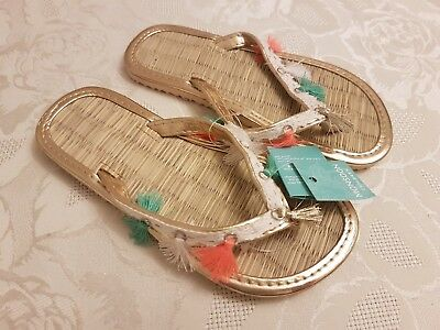 Monsoon Girls Flip Flop Sandals. Beautiful Shoes. Gold Size 9-10. NEW