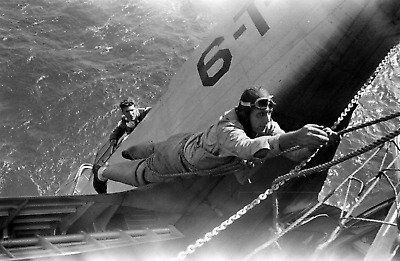 WW2 WWII Photo US Navy Pilot Rescue Carrier Crash World War Two USN / 7274