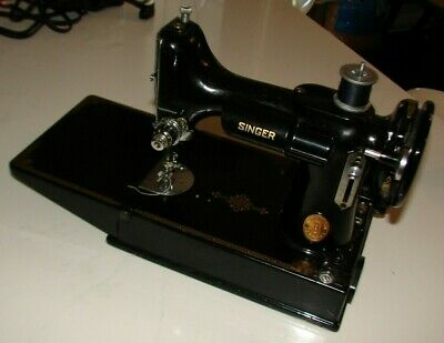 1949 Singer Featherweight 221K Sewing Machine W/Case + Extras