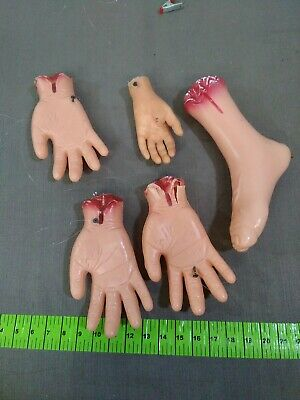 Halloween Realistic Terror Bloody Fake Severed foot Hand Body Parts Props hang