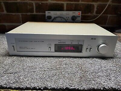Vintage AKAI FM AM Stereo Hifi Tuner / radio AT-K33, Works well. made Japan