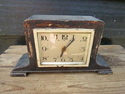 Small Vintage Art Deco Clock For Restoration