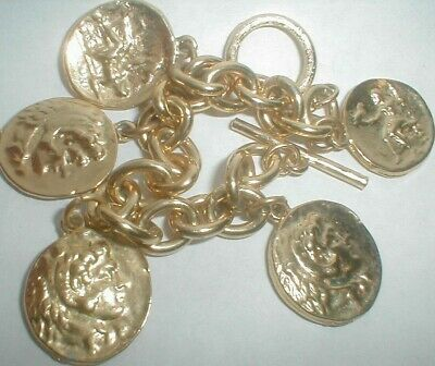 vintage GOLD INTAGLIO ANCIENT COIN STYLE CHARM TOGGLE BRACELET