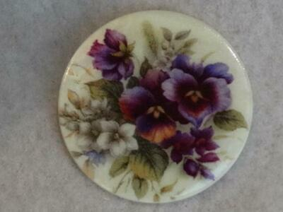 """Stunning Large Mother Of Pearl Purple Pansy Flower Button 1-3/8"""""""
