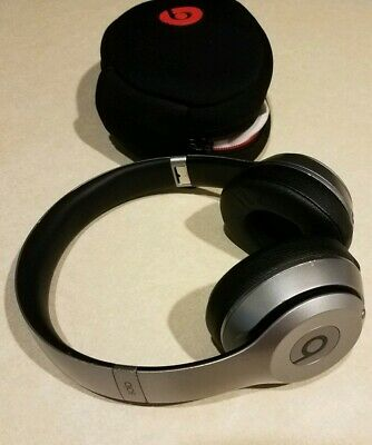 Beats by Dr. Dre Solo 2 Wireless On Ear Headphones Space Gray w/Case Read As Is
