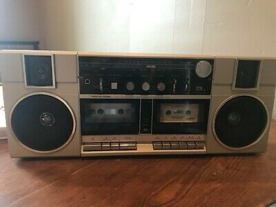 Realistic brand Radio/Cassette Boombox 80s 90s gag gift and 5 cassette tapes