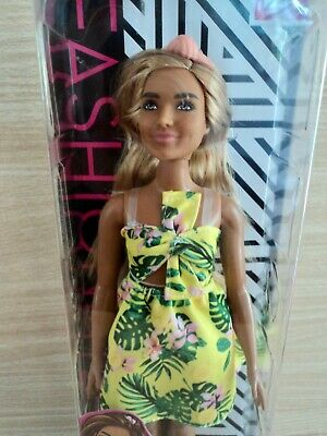 Barbie Curvy Fashionistas Doll No 126.In a Floral Skirt and Top. New and Boxed