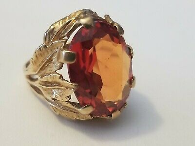 Estate 10kt Solid Gold Roman Style Ring with 7.0 Carats Red Natural Gemstone