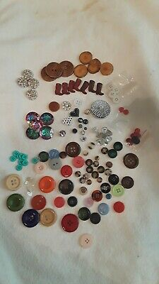100+ mix Assort Plastic Buttons Scrapbooking Sewing Craft Appliques