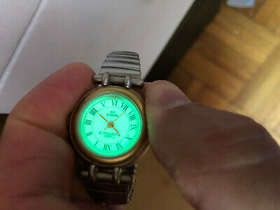 Vintage Timex Ladies Girls Watch Green Light Perfect Working Condition ,Mint!