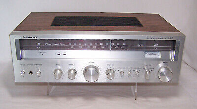 Vintage Sanyo Model 2016 Desktop AM/FM Stereo Receiver ~ Tested Works
