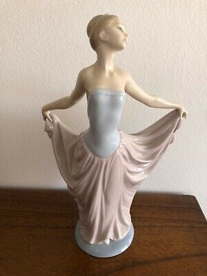 Lladro Daisa 'Dancer' porcelain figurine #01005050 PRICED TO SELL