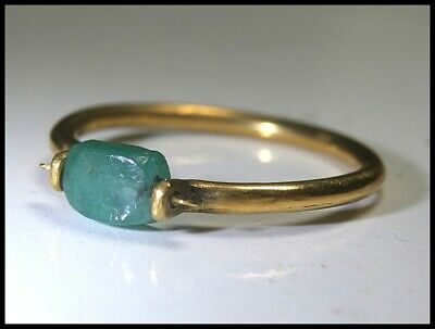 Rare Antique Late 18th Century French 22Crt Gold and Emerald Finger Ring