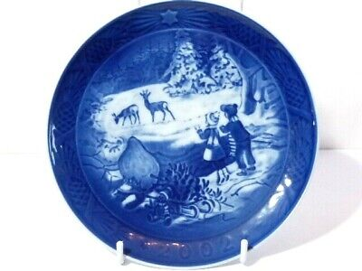 2002 Royal Copenhagen Christmas Plate Winter in the Forest