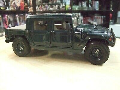 HUMMER Hard Top 6.5L Green diecast model scale 1/18 by Maisto Special Edition
