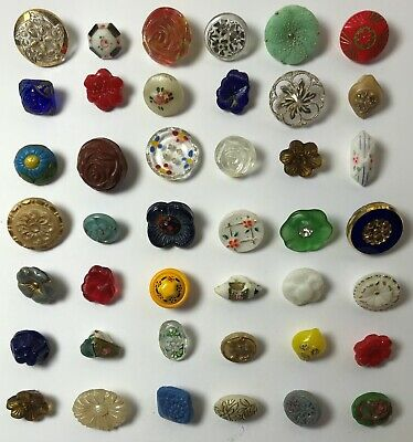 40 Vintage Small / Diminutive Glass Pictorial & Realistic Flower Sewing Buttons