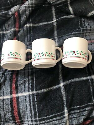3pc. Vintage Arbys 1987 Christmas Collection Mugs Set of 2 Holly Band Gold Rim