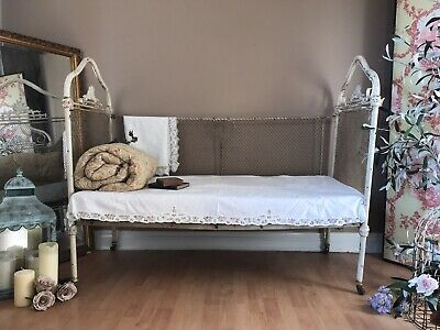 Beautiful French Antique Small 2 Seater Cream Folding Day Bed / Cot PICKUP NOTTS