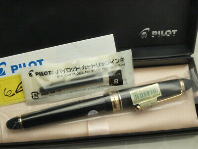 Pilot (NAMIKI) FP Custom 743 Black with converter / 14K / Falcon Flex nib New!