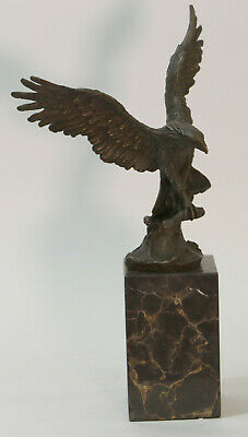 Art Deco Flying Eagle Holding a Fish 100% Bronze Sculpture Statue Figurine Decor