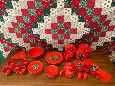 VTG Waechtersbach Germany Small Red Christmas Tree Design dish SET