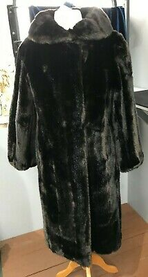 Stunning Tissavel Vintage Chocolate Brown Faux Fur Coat Size 12 (R/11)KW