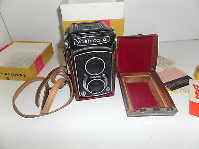Vintage Yashica model A camera twin lens (S-6)