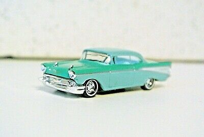 HO Scale Cars green Chevrolet Bel Air /'57 45056