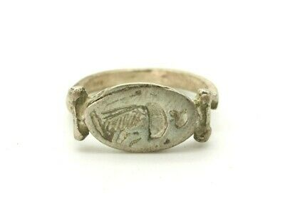 Ancient Roman Silver Ring Depicting Standing Goddess - R57