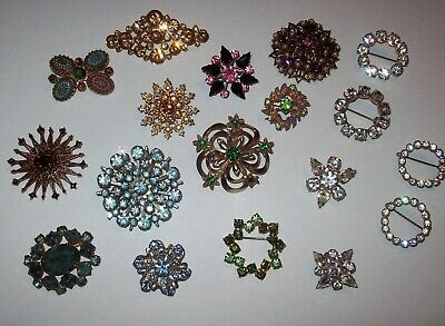 18 Piece Vintage and Modern Mixed Rhinestone Small Brooch/Pin Lot