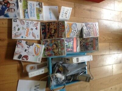 WHITE NINTENDO WII BUNDLE CONSOLE REMOTE Controller NUNCHUCK & 10 Games Stand