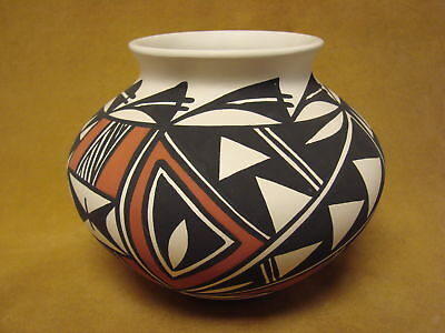 Acoma Indian Pottery Hand Painted Pot by Gloria Salvador PT0229
