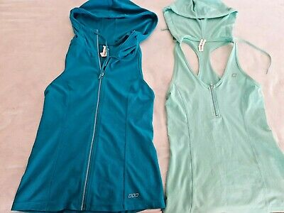 LORNA JANE  HOODED TOPS SIZE XS  x 2 (MINT AND GREEN)