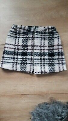 Girls River Island Skirt Age 3 Fabulous with zip down the front.Excellant.